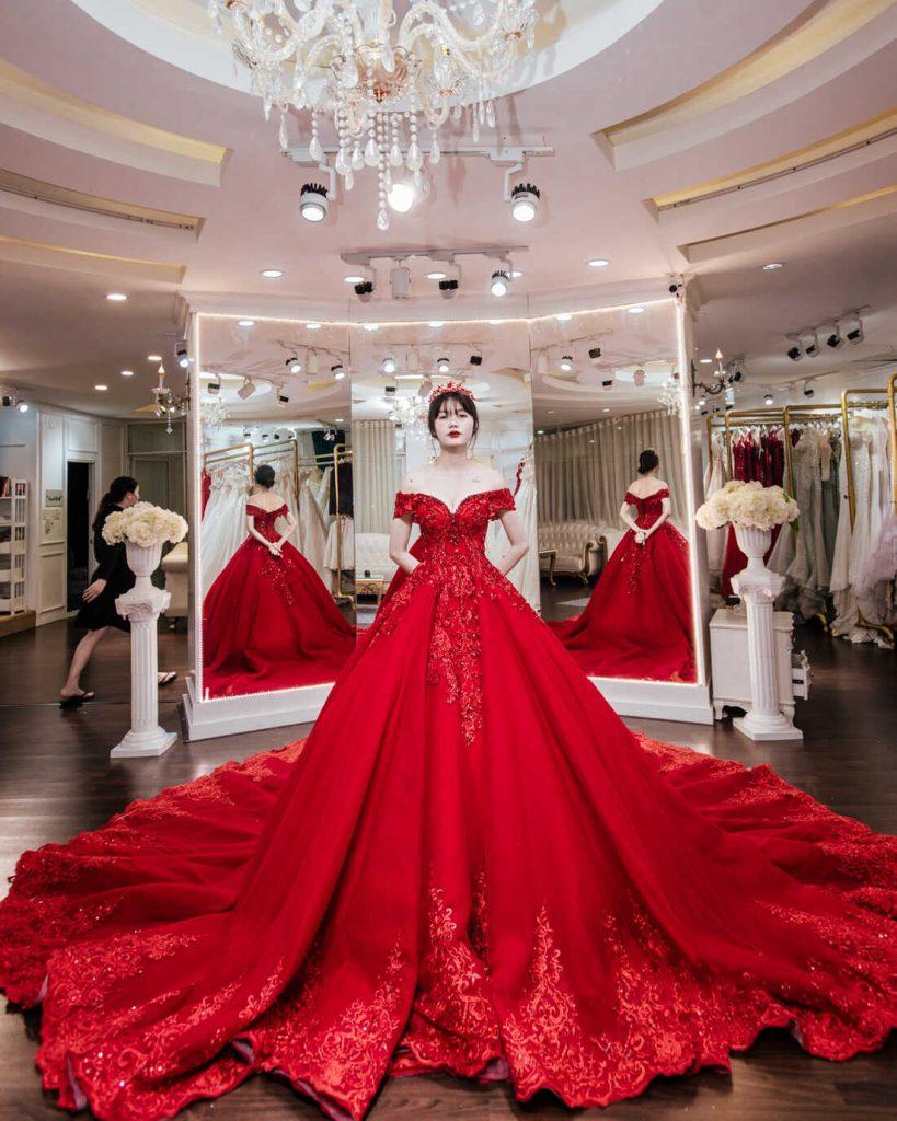 chụp ảnh cưới nên mặc váy màu gì