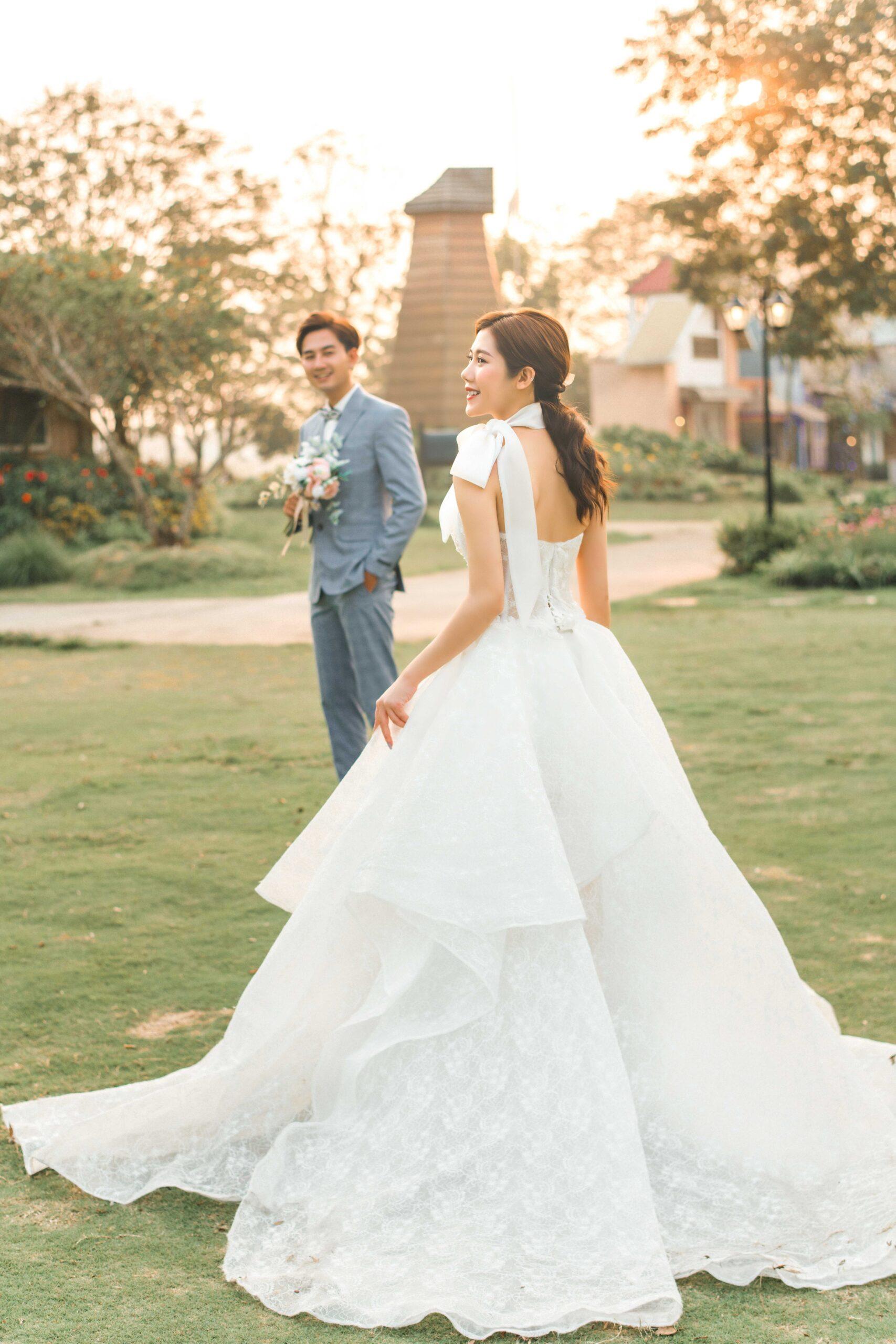 Chụp ảnh cưới tại phim trường Smiley Villa