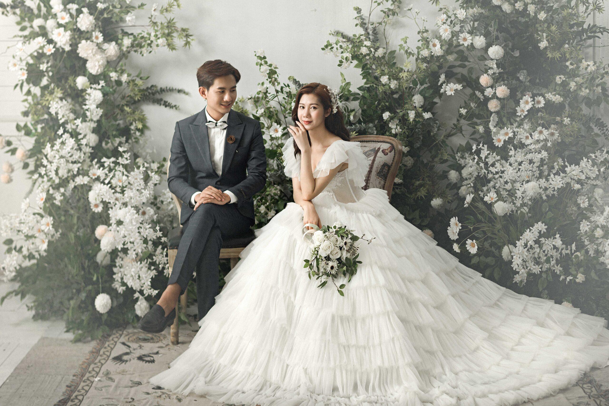 Chụp ảnh cưới tại phim trường Smiley Ville