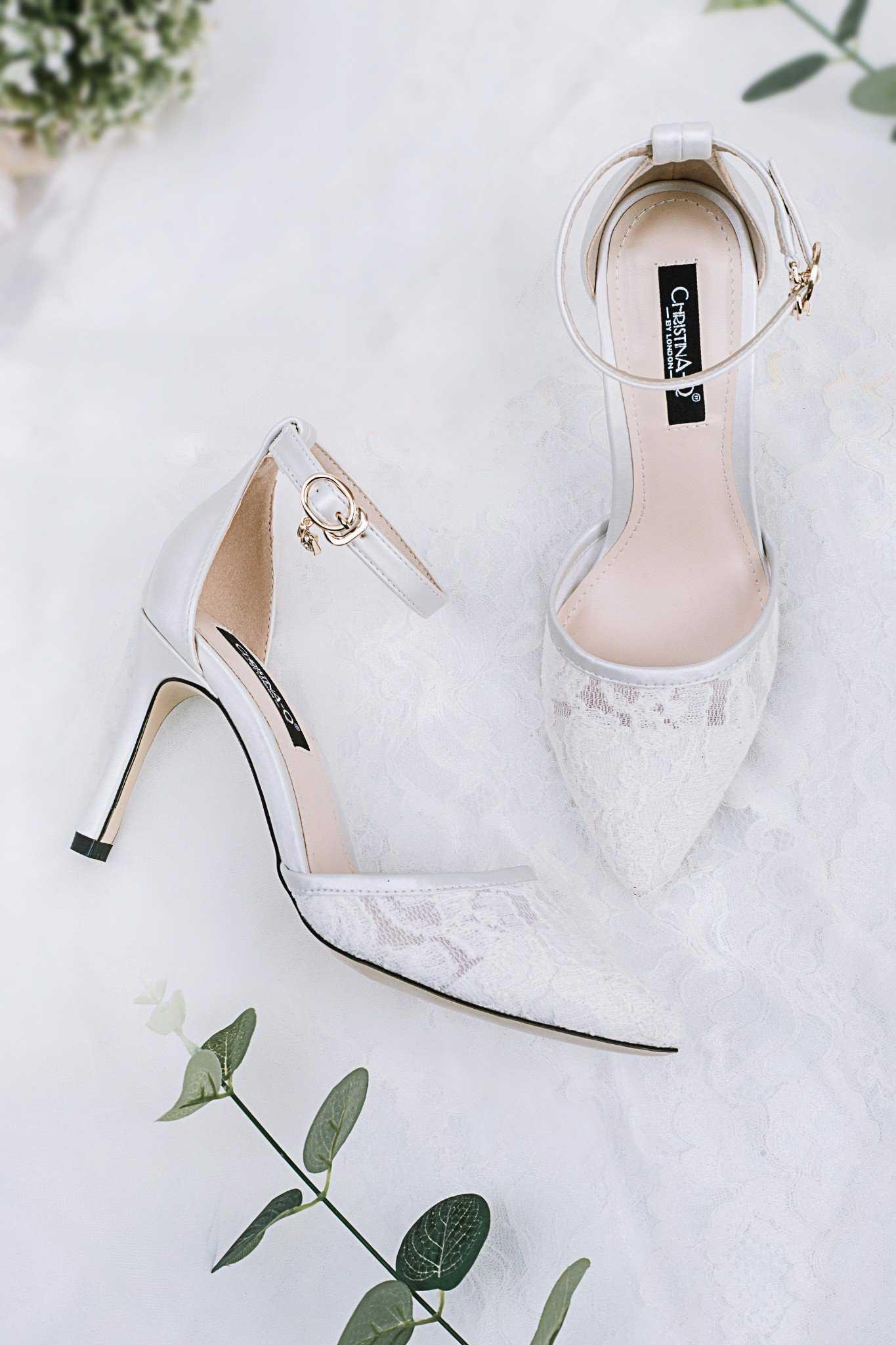 Giày cưới cho cô dâu - Top 99+ mẫu thiết kế đẹp lộng lẫy