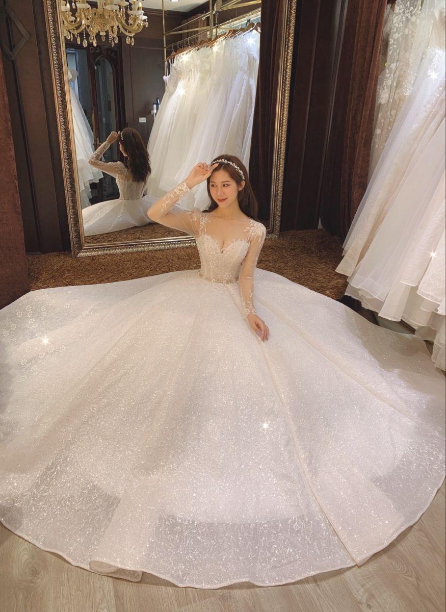Top 50 mẫu áo dài cách tân đẹp cho cô dâu chụp ảnh cưới
