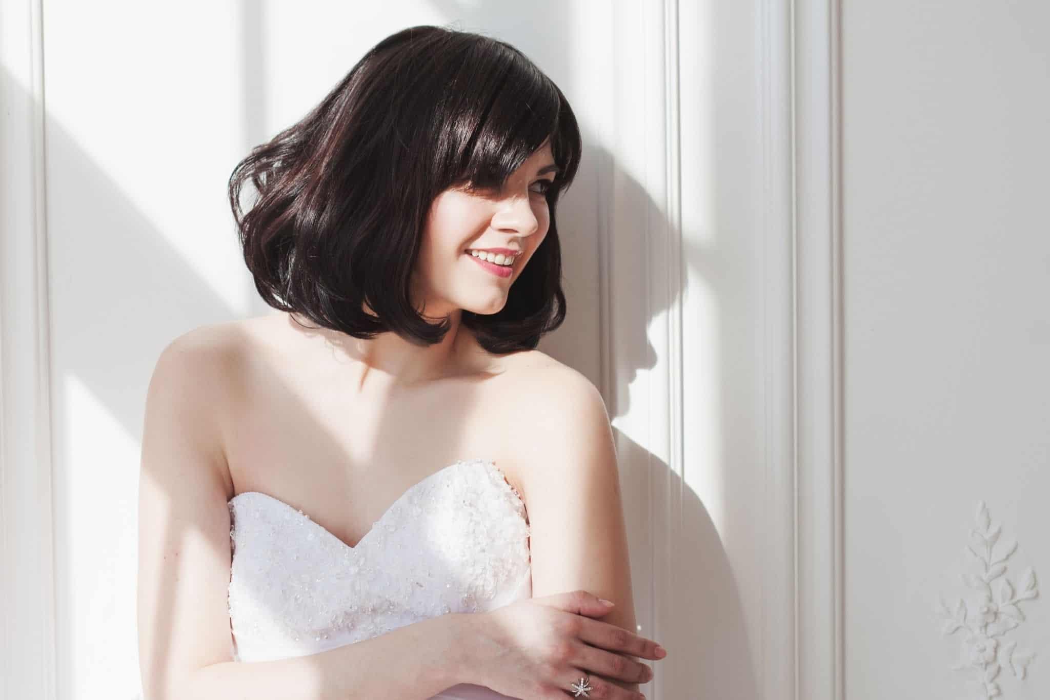 trang điểm cô dâu tóc ngắn hàn quốc