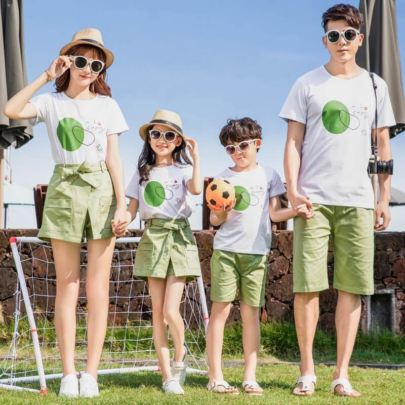 Trang phục chụp ảnh gia đình
