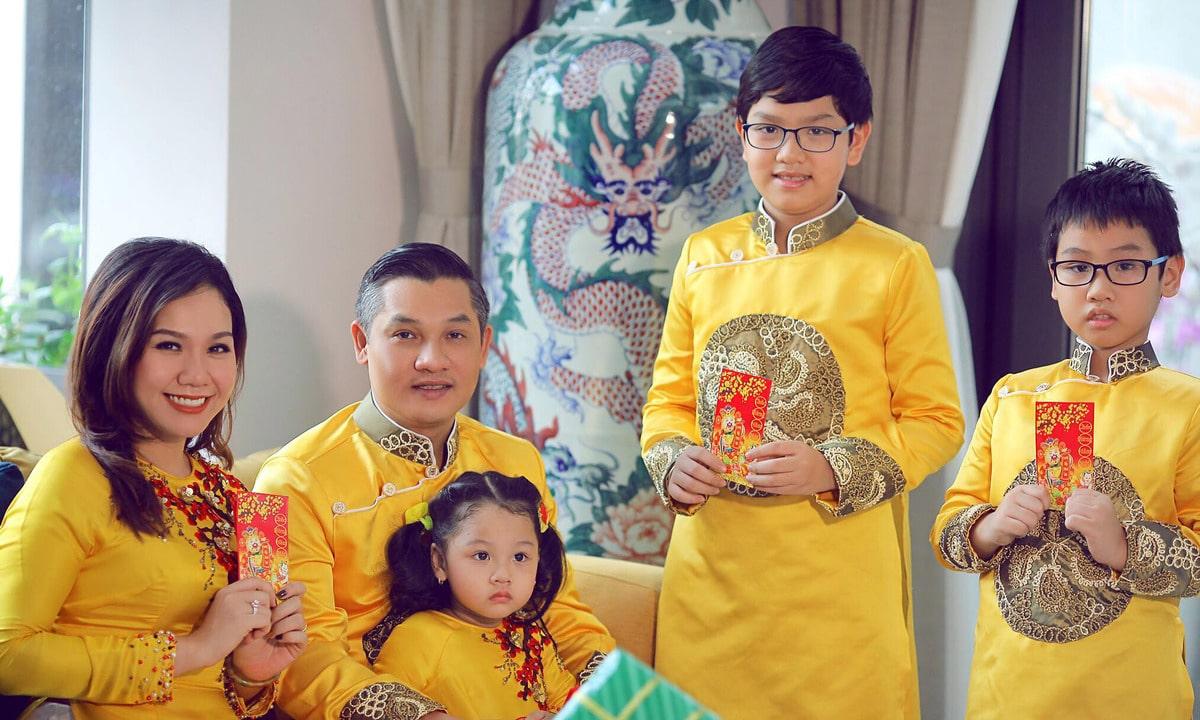 Ảnh gia đình 5 người