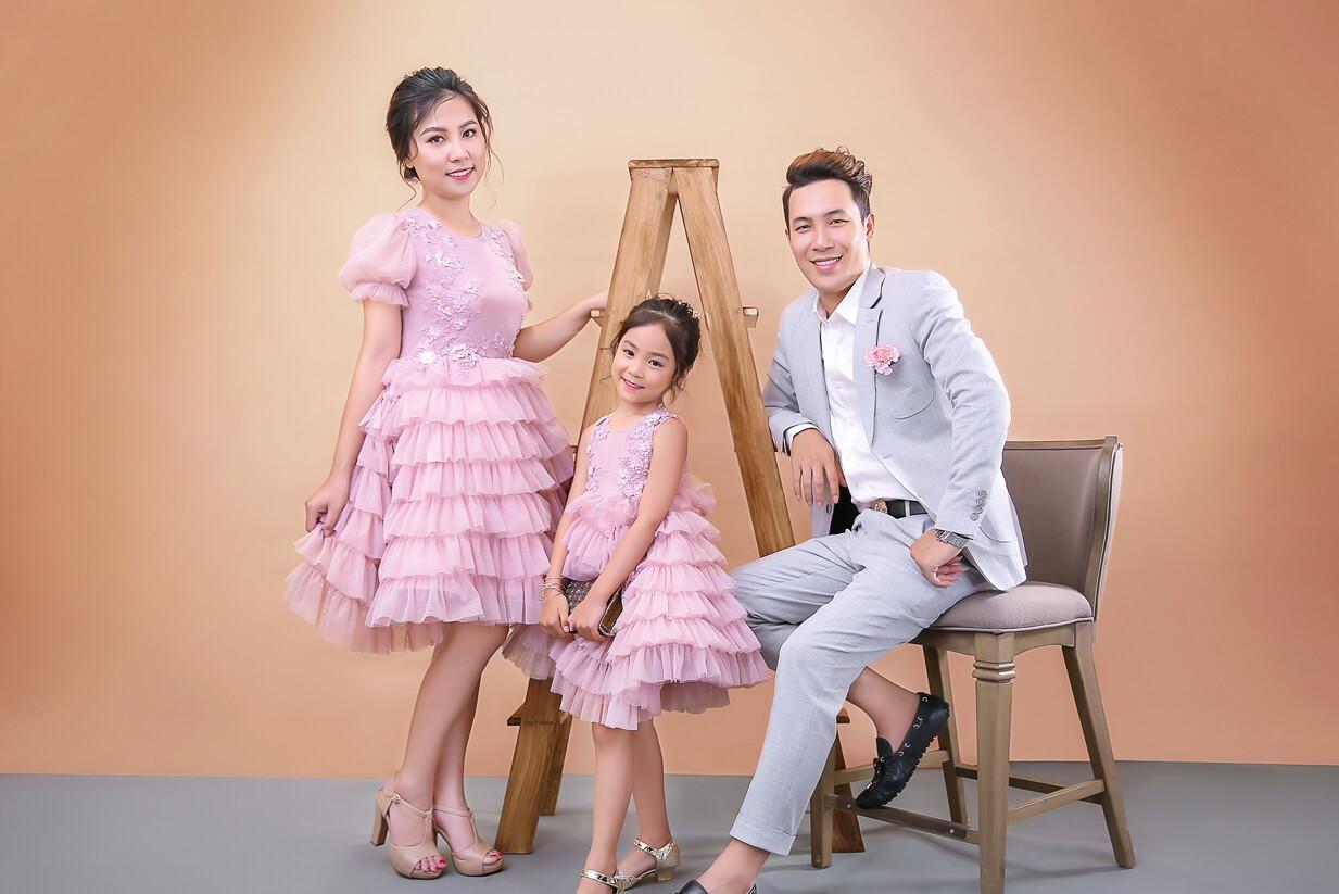 Bí quyết để có bộ ảnh gia đình 3 người đẹp và ấn tượng