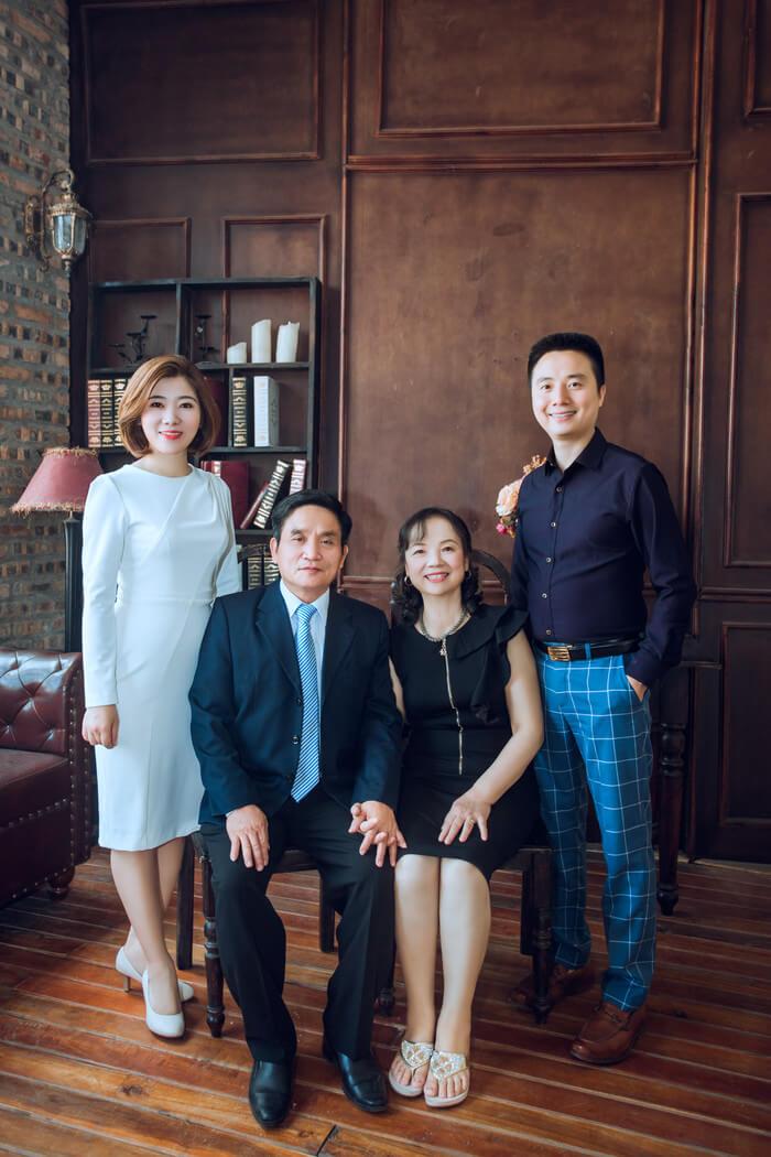 Album chụp ảnh gia đình 4 người