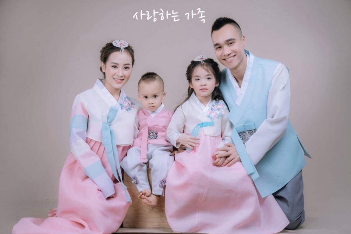 Chụp ảnh gia đình kiểu Hàn Quốc: Bí quyết & cách chụp đẹp