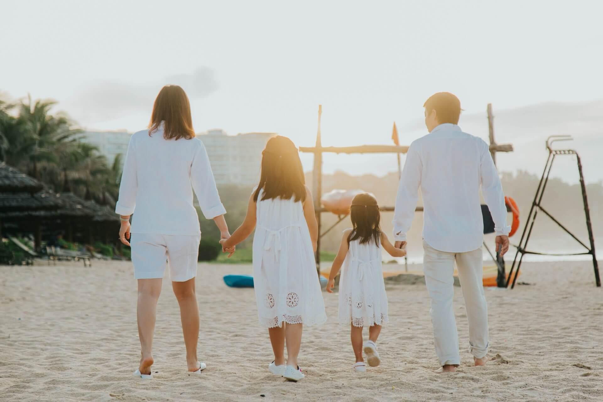 11+ Kiểu chụp ảnh gia đình ngoại cảnh đơn giản mà siêu đẹp